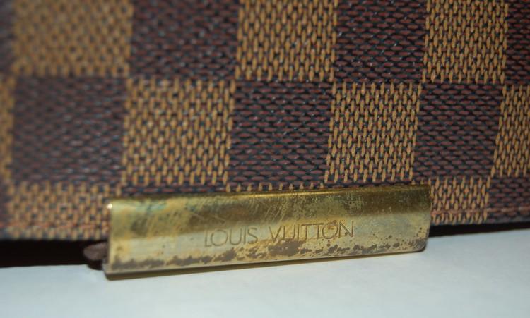f8576e281ece Louis Vuitton Damier Ebene Bastille Messenger Bag