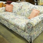 1-19111 Floral Laz-Boy Sofa