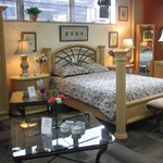 1-22224 Thomasville Queen Bed, Armoire ,Dresser With Mirror And 2 Nighstands