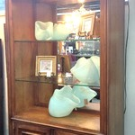 17374 Tommy Bahama Curio/Display Cabinet