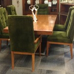 23804-Founders Dining Room Table w/ 2 Leaves and 6 Chairs