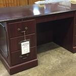 1-24136 Traditional Executive Desk