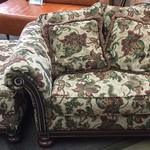 1-24384 Bernhardt Chair & Otooman