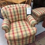 1-25220 Pearson Chair & Ottoman