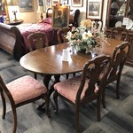 1-25455 Davis Dining Room Table, 8 Chairs, 2 Leaves