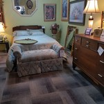 1-25236 Mid-Century Full Bed, Chest, Dresser w/ Mirror