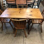 1-26197 Primitive Table with 4 Chairs