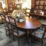 1-26429 Drexel Table, 6 French Ladderback Chairs, 2 Leaves & Pads