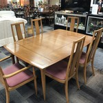 1-26317 Tomlinson Table w/ 6 Chairs & 2 Leaves with Pads