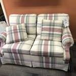 1-27004 Thomasville Pink Plaid Love Seat