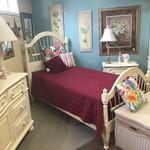 1-27228 Twin Ethan Allen 4 Piece Bed