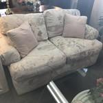 1-28476 Upholstered Print Loveseat