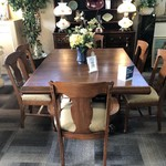 1-28786 Antique Oak Dining Room with Large Claw Feet, 6 Leaves, 6 Chairs