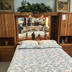 1-29439 Oak Wall Unit, Queen Bed, 2 Towers & Mirror