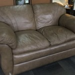 1-30348 La-Z-Boy Leather Loveseat