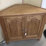 1-30539 Oak Corner Cabinet