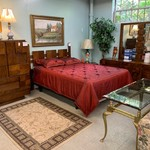 1-30471 Lane Full Queen Bed w/ Frame, Dresser w/ Mirror, Chest and Nightstand