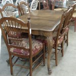 1-30787 Ethan Allen Table w/ 1 Leaf, 6 Chairs