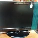 1-31243 Flat Screen TV w/ Remote
