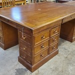 1-31836 Stanley Large Solid Wood Desk