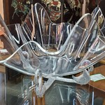 1-31156 Lucite Bowl On Metal Stand