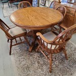 1-32269 Oak Round Table, 5 Chairs