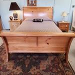 1-31136 Queen Sleigh Bed