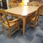 1-32250 Amish Built Maple Table, 4 Chairs and 4 Leaves