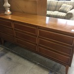 1-32616 Triple Dresser