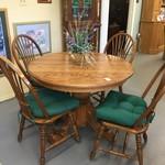 1-33037 Oak Table w/ 4 Chairs w/ Cushions, 1 Leaf