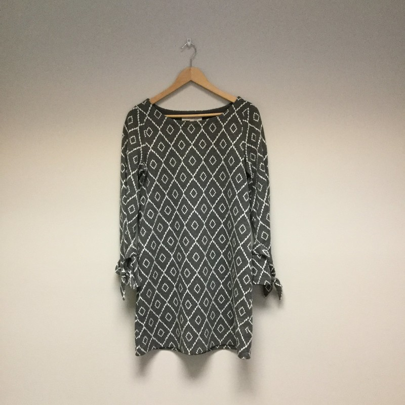 LOFT Terry Diamond Patterned Tied Sleeves<br /> Size S<br /> Grey/White<br /> $21.00