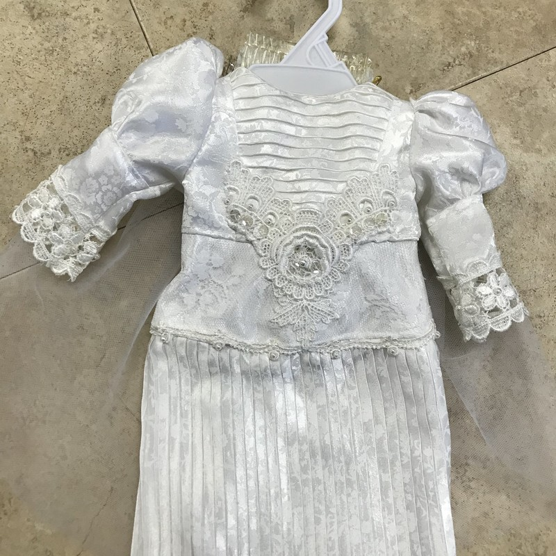Doll Wedding Dress, fits the American Girl dolls, excellent condition, made by one of our volunteers :)