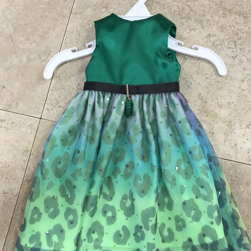 Handcrafted Doll Dress/Formal, makes a great brides maid dress if you have a wedding dress :)  Fits the American Girl dolls.