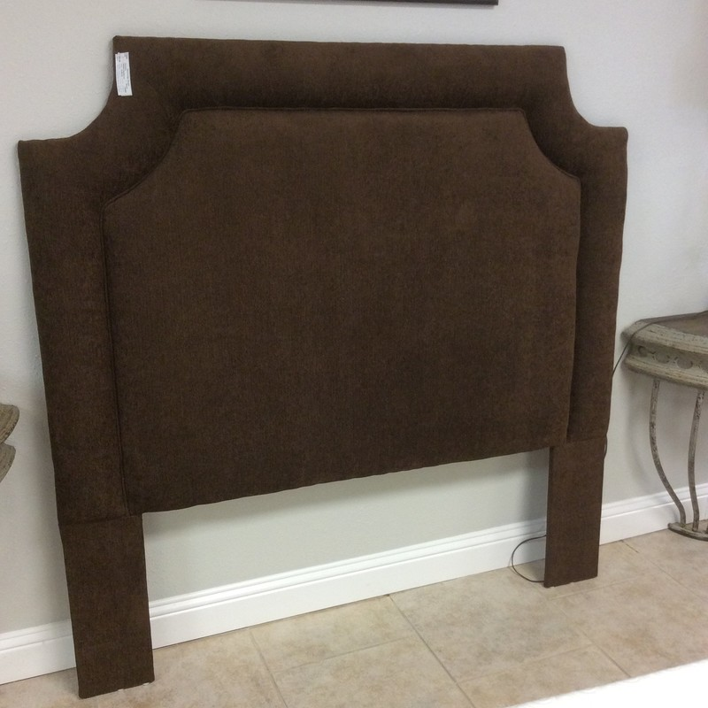 Lovely queen-size headboard! It's padded in a soft chocolaty brown, simple but elegant. Perfect condition!