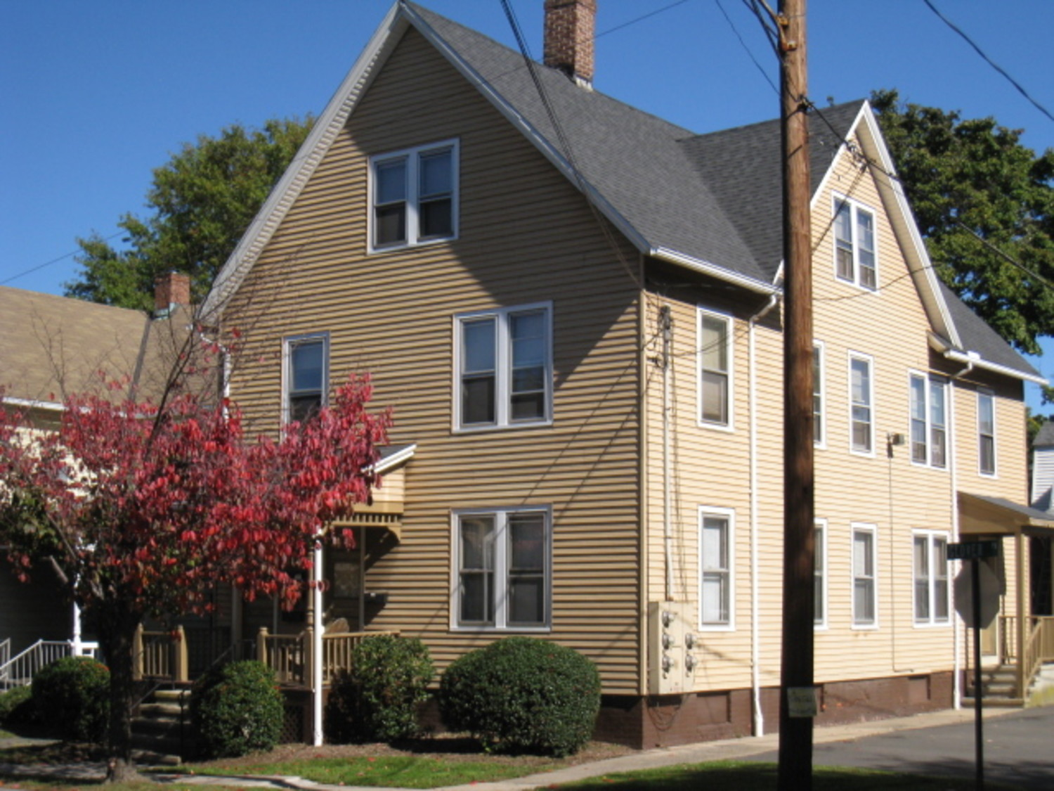 144 Pearl Street  06457 Apartment Rentals in Middletown, CT